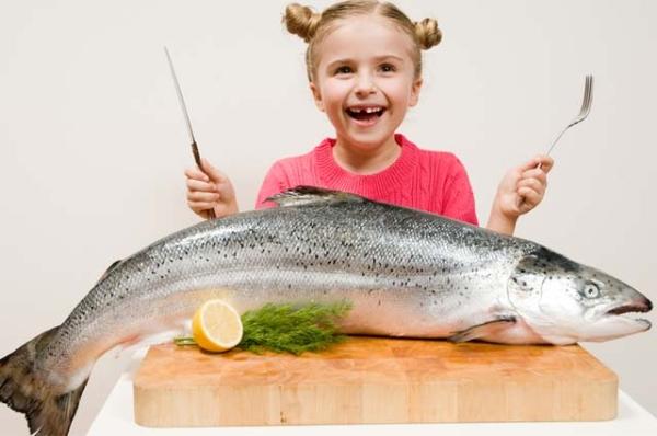 Nên cho trẻ ăn các loại cá nào ?